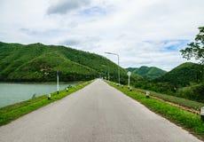 Paesaggio della strada della diga Fotografia Stock Libera da Diritti