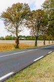 Paesaggio della strada e campagna nella regione della Loira Immagini Stock