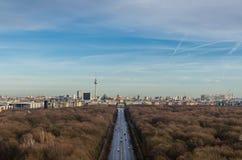 Paesaggio della torre e della porta di Brandeburgo di Berlino TV Fotografia Stock