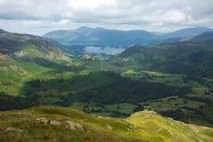 Paesaggio della valle che piombo all'acqua di Derwent immagine stock