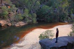 Paesaggio della valle con la ragazza Fotografia Stock