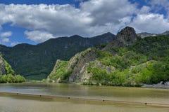 Paesaggio della valle di Olt in montagne carpatiche Fotografia Stock Libera da Diritti