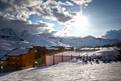 Paesaggio delle alpi di inverno da Val Thorens. 3 valli Immagine Stock