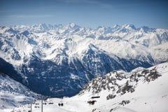 Paesaggio delle alpi di inverno dalla stazione sciistica Val Thorens Fotografie Stock Libere da Diritti