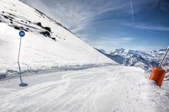 Paesaggio delle alpi di inverno dalla stazione sciistica Val Thorens Fotografie Stock