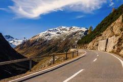 Paesaggio delle alpi e della foresta svizzere del parco nazionale in Svizzera Alpi della Svizzera sull'autunno Parc Naziunal Sviz Fotografia Stock
