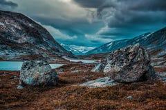 Paesaggio delle alte montagne della Norvegia Immagini Stock