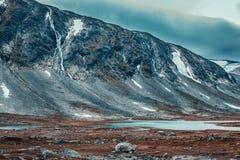 Paesaggio delle alte montagne della Norvegia Fotografia Stock