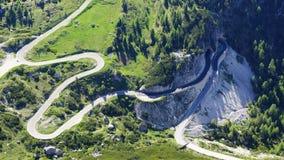 Paesaggio delle dolomia con la strada della montagna. Fotografia Stock Libera da Diritti