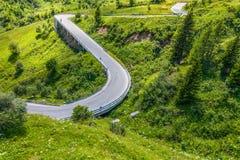 Paesaggio delle dolomia con la strada della montagna. L'Italia Fotografia Stock Libera da Diritti