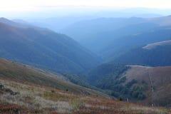 Paesaggio delle montagne carpatiche Immagini Stock Libere da Diritti