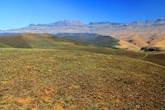 Paesaggio delle montagne del drago di Drakensberg Immagine Stock
