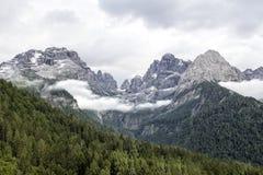Paesaggio delle montagne delle dolomia Immagini Stock
