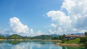 Paesaggio delle montagne di estate della priorità bassa Fotografie Stock