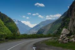 Paesaggio delle montagne di Georgia Immagine Stock