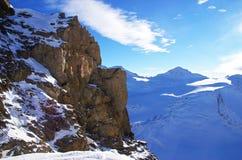 Paesaggio delle montagne di Snowy Fotografie Stock Libere da Diritti
