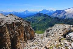 Paesaggio delle montagne a Gruppo Sella vicino ai monumenti di Piz Boe ed alla natura molto piacevole in Dolomiti, montagne Itali immagini stock libere da diritti