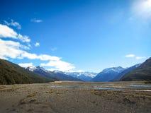 Paesaggio delle montagne il giorno nuvoloso immagine stock libera da diritti