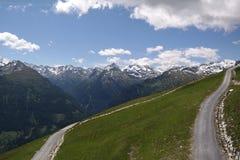 Paesaggio delle montagne nelle alpi Immagine Stock