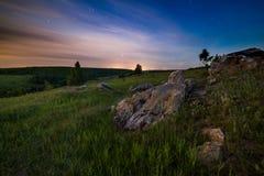 Paesaggio delle pietre di notte immagini stock