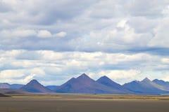Paesaggio desolato lungo gli altopiani centrali dell'Islanda fotografia stock