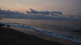 Paesaggio di alba dalla spiaggia immagini stock