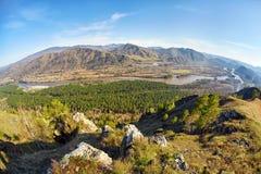 Paesaggio di Altai con il fiume Katun Fotografie Stock Libere da Diritti