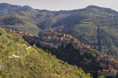 Paesaggio di Apricale Imperia, Liguria, Italia fotografia stock libera da diritti