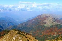 Paesaggio di autunno, alpi italiane Immagine Stock
