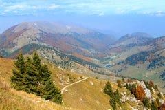 Paesaggio di autunno, alpi italiane Fotografia Stock
