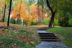 Paesaggio di autunno dell'università di Tsinghua immagini stock libere da diritti