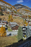 Paesaggio di autunno della località di soggiorno di Zermatt, cantone del Valais, Svizzera Immagine Stock