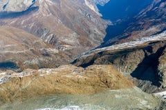 Paesaggio di autunno delle alpi svizzere e di Zermatt Immagini Stock Libere da Diritti