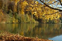 Paesaggio di autunno, Lac de Lucelle un giorno soleggiato Fotografia Stock Libera da Diritti
