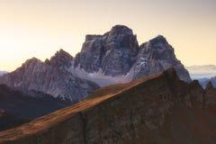 Paesaggio di autunno nelle alpi delle dolomia, Italia Immagini Stock Libere da Diritti