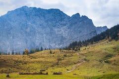 Paesaggio di autunno nelle alpi L'Austria, Tirol Fotografia Stock