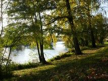 Paesaggio di autunno sul fiume di Cher in Touraine immagine stock