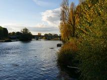 Paesaggio di autunno sul fiume di Cher in Touraine fotografie stock libere da diritti