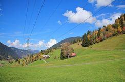 Paesaggio di autunno vicino a Gstaad, alpi svizzere Fotografie Stock