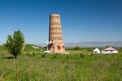 Paesaggio di Burana. Torre del Kirghizistan Fotografie Stock