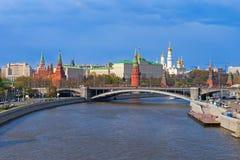 Paesaggio di Cremlino di Mosca, tempo di molla Fotografia Stock