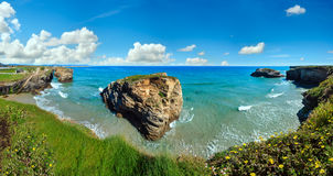 Paesaggio di estate della costa di Cantabric Immagine Stock Libera da Diritti