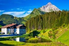 Paesaggio di estate delle alpi Immagine Stock