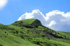 Montagne verdi di Caucaso Fotografia Stock