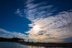 Paesaggio di estate sul fiume L'Ob', Siberia, Russia Fotografia Stock Libera da Diritti