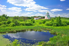 Paesaggio di estate in Suzdal' Immagini Stock