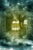 Paesaggio di fantasia attraverso l'arco Fotografia Stock