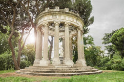 Paesaggio di fantasia di un tempio romano antico Fotografie Stock Libere da Diritti