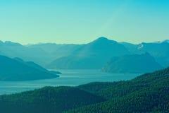 Paesaggio di Howe Sound preso dall'aria sopra l'ovest Vancouver Fotografia Stock