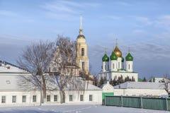 Paesaggio di inverno con le chiese in Kolomna fotografia stock